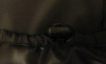 Защитный чехол на подголовник автомобиля от собак с застежкой