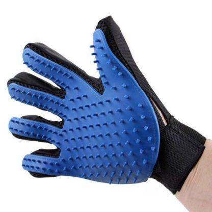 Силиконовая перчатка для мойки и вычесывания собак внешний вид